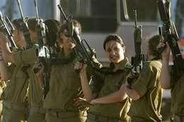 امرأة تشعل تمردا داخل الجيش الإسرائيلي