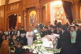 باب مصر يشيع جثمان مطران  المنيا