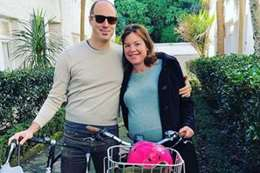 جولي غينتر مع شريك حياتها بيتر