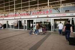 الشركات العالمية تهجر مطارات إيران
