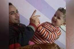 احدى الاطفال ووالدهم القاتل بدمياط