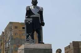 """موجة غضب بسبب تشويه تمثال """" الخديو إسماعيل"""""""