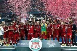 فريق ليفربول لحظة تتويجة بلقب السوبر