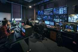 غرفة تحكم برنامج تليفزيوني - أرشيفية