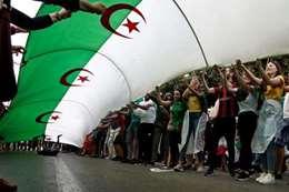 المتظاهرين في الجزائر