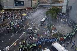 اشتباكات بين المتظاهرين