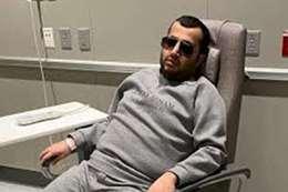 بشكل مفاجيء.. تركي آل الشيخ يصل نيويورك بعد تدهور حالته الصحية