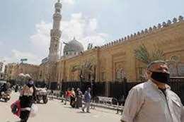 بعد إغلاق 6 أشهر.. المساجد تفتح أبوابها للمصلين بدولة عربية