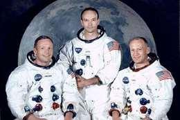 «أرمسترونج» أول من صعد القمر.. «ملحد يؤمن بوجود مخلوقات أخرى»