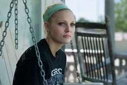 انتحار بطلة فيلم «نتفليكس» بعد تعرضها لاعتداء جنسي