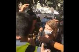 فيديو.. لبنانيون يرشقون وزيرة العدل بالمياه ويطالبونها بالاستقالة