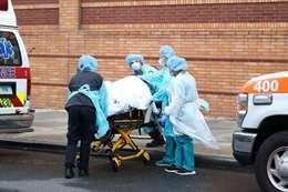 صادم.. ألف وفاة ونحو 60.000 إصابة بكورونا في يوم واحد بأمريكا