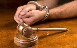 المشدد 10 سنوات لـ6 متهمين في اقتحام قسم شرطة ديرمواس