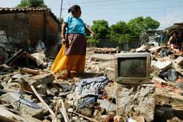 اثار زلزال المكسيك