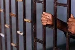 حبس عمال