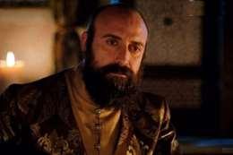 الممثل التركي خالد أرغنش