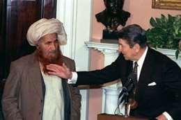 جلال الدين حقاني مع الرئيس الأمريكي