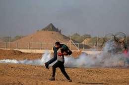 مواجهات بين الاحتلال وفلسطينيين على حدود غزة