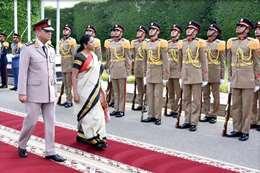 مراسم استقبال وزيرة دفاع الهند