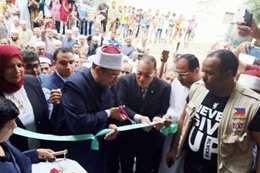 وزير الأوقاف أثناء افتتاح المساجد