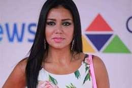 رد مفاجئ من «رانيا يوسف» على منتقدي فستانها