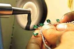 صناعة المجوهرات