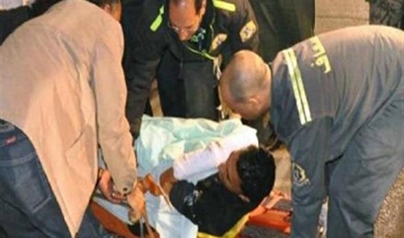 نقل المصابين فى حادث مدينة نصر للمستشفى