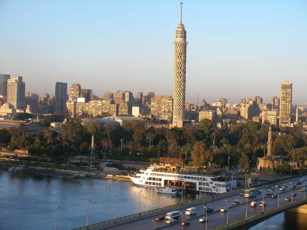 شاب يلقى نفسه من برج القاهرة
