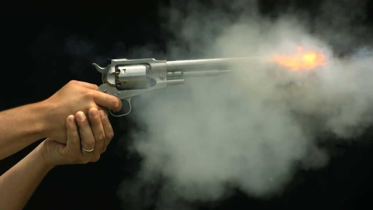مصرع عامل برصاصة طائشة في قنا