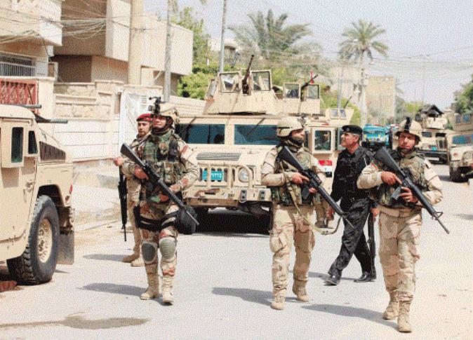 """انسحاب القوات العراقية أمام """"داعش"""" قرب العاصمة بغداد"""