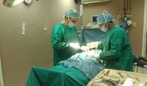 """60 عملية جراحية في """"عمليات الخير"""" بجامعة بني سويف"""