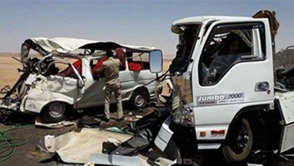 حادث مروري يصيب شخصين أعلى الدائري