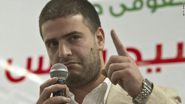 النيابة تطالب بضبط وإحضار نجل مرسي