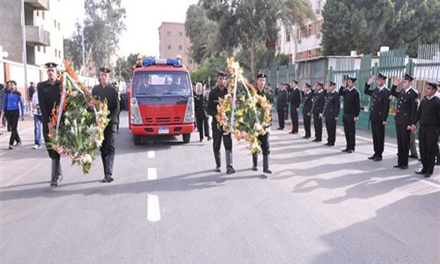 جنازة عسكرية لضابط لقي مصرعه في حادث ببورسعيد