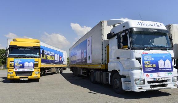 تركيا.. انطلاق 49 شاحنة إغاثة إلى سوريا