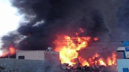 ماس كهربائى وراء حريق مصنع مكرونة