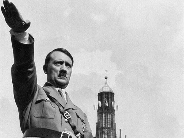 """لندن.. حبس مهووس بـ""""هتلر"""" 5 سنوات"""