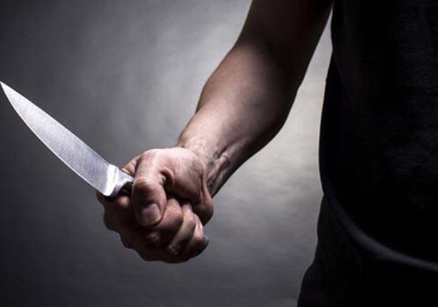 عاطل يقتل زوج أمه بسبب الميراث فى الصف