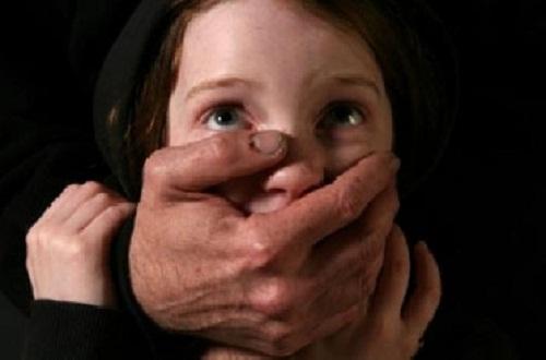 تفاصيل خنق طفلة بعد سرقة قرطها الذهب بأسيوط