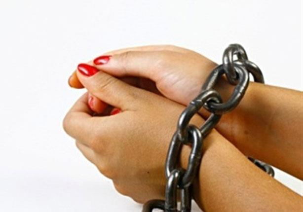 ضبط وإحضار ربة منزل وعشيقها بتهمة الزنا بالحدائق