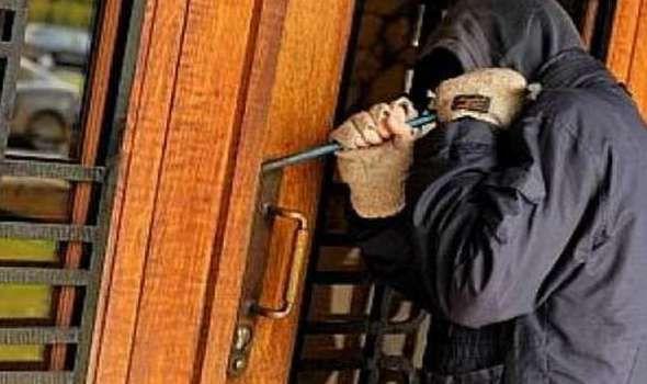 سقوط عاطل أثناء سرقة شقة نائب رئيس تحرير جريدة «الجمهورية»