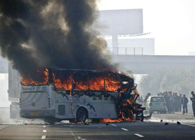 مقتل 14 شخصا بحريق حافلة في الصين
