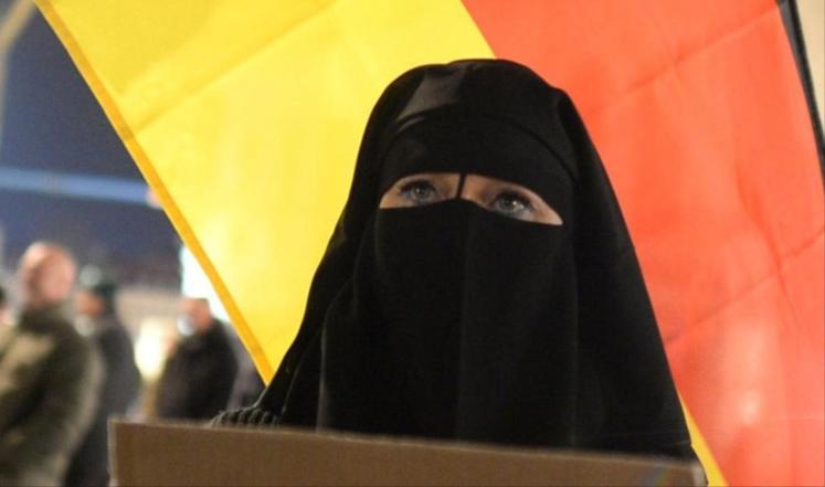 ألمانيا تمنع المحجبات في العمل بالمحاكم