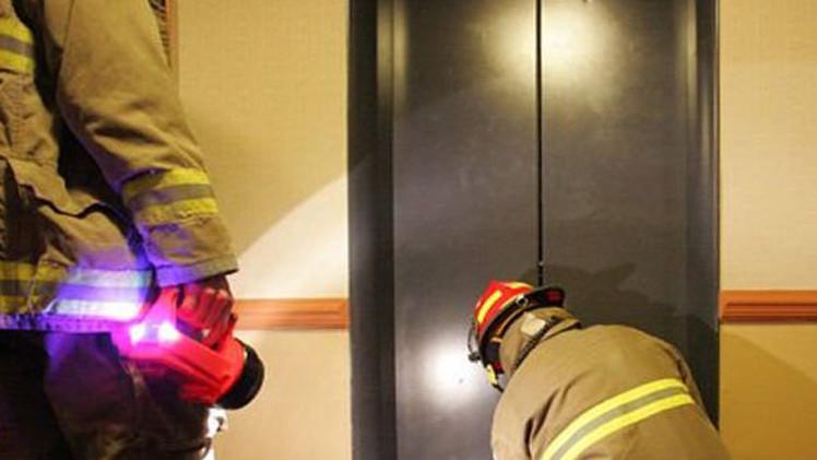 راهبتان تمضيان ثلاثة أيام في مصعد مغلق