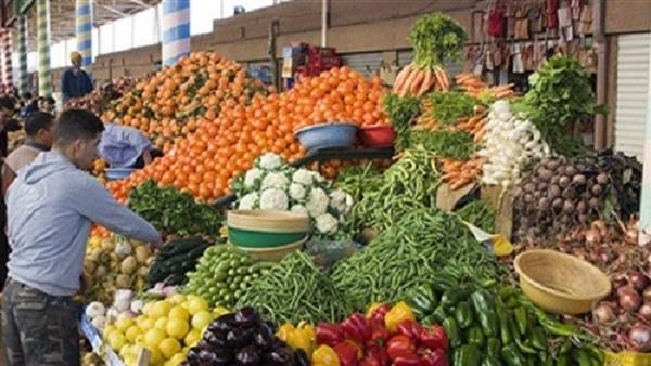 بالأرقام .. أسعار الخضروات والفاكهة والأسماك بسوق العبور