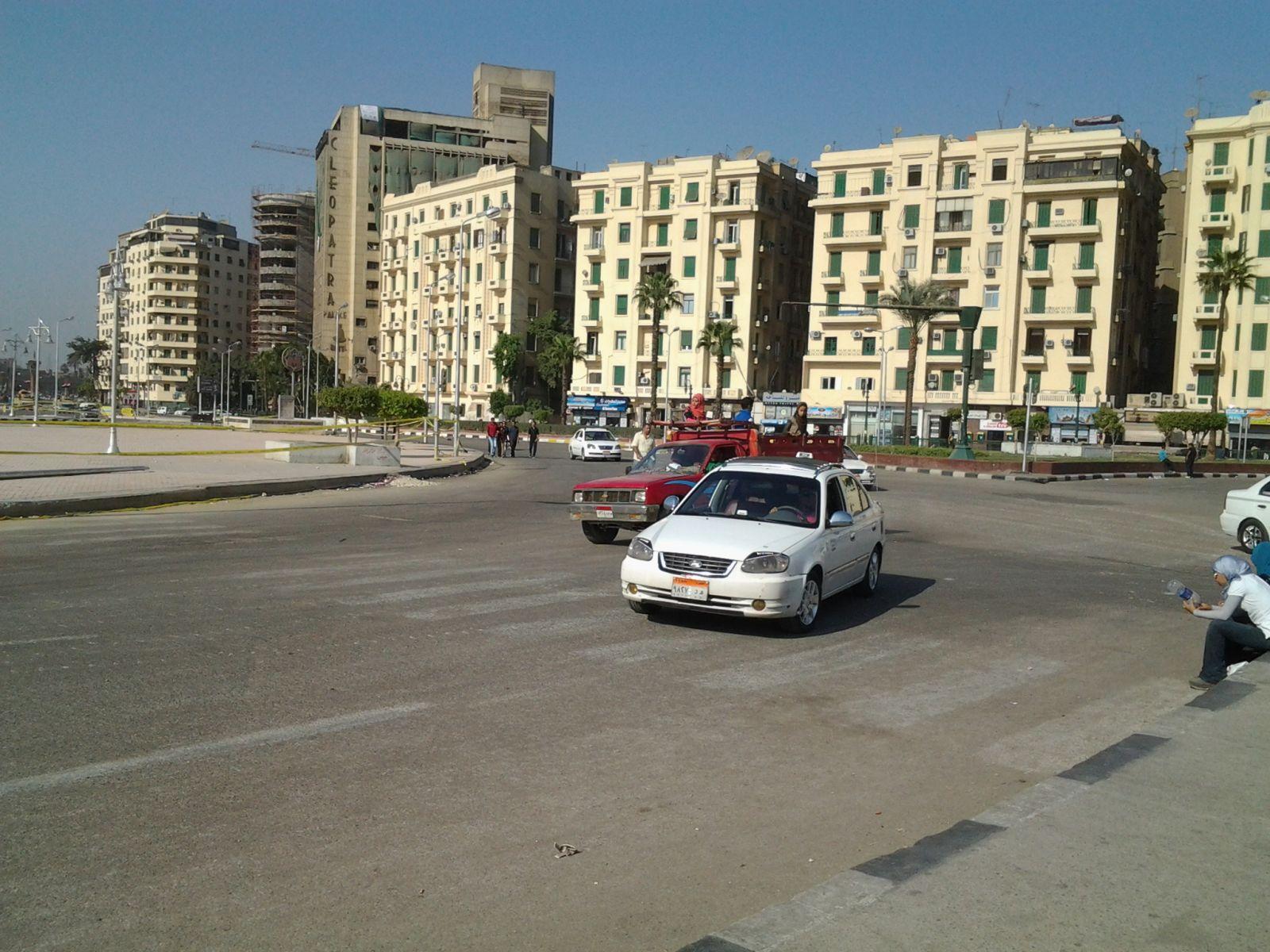 قوات الجيش تعيد فتح ميدان التحرير أمام حركة السيارات