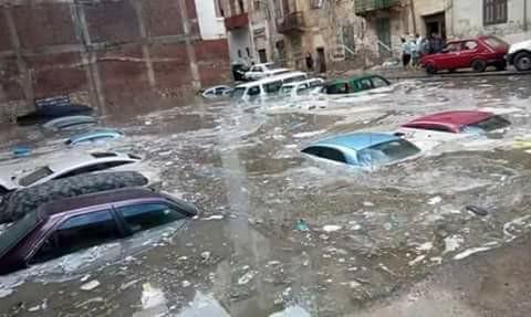 انهيار 120 منزلاً واختفاء 310 سيارات في سيول رأس غارب