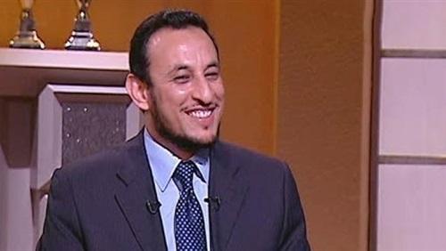 بالفيديو.. شاهد سبب نوبة ضحك «رمضان عبد المعز» على الهواء