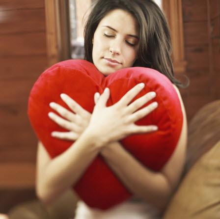 """""""القلق"""" يحطم قلوب النساء"""