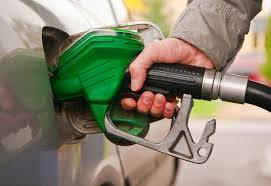 """""""البترول""""توضح حقيقة إلغاء بنزين 80"""